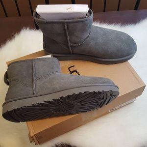 NEW UGG Grey Sz 11 Classic Mini II Boots